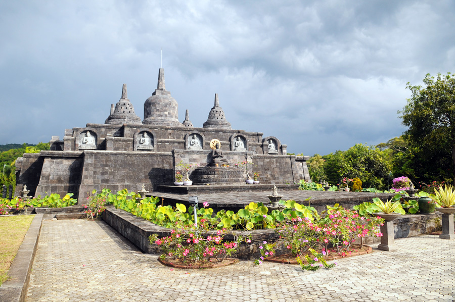 Jediný buddhistický chrám na Bali.