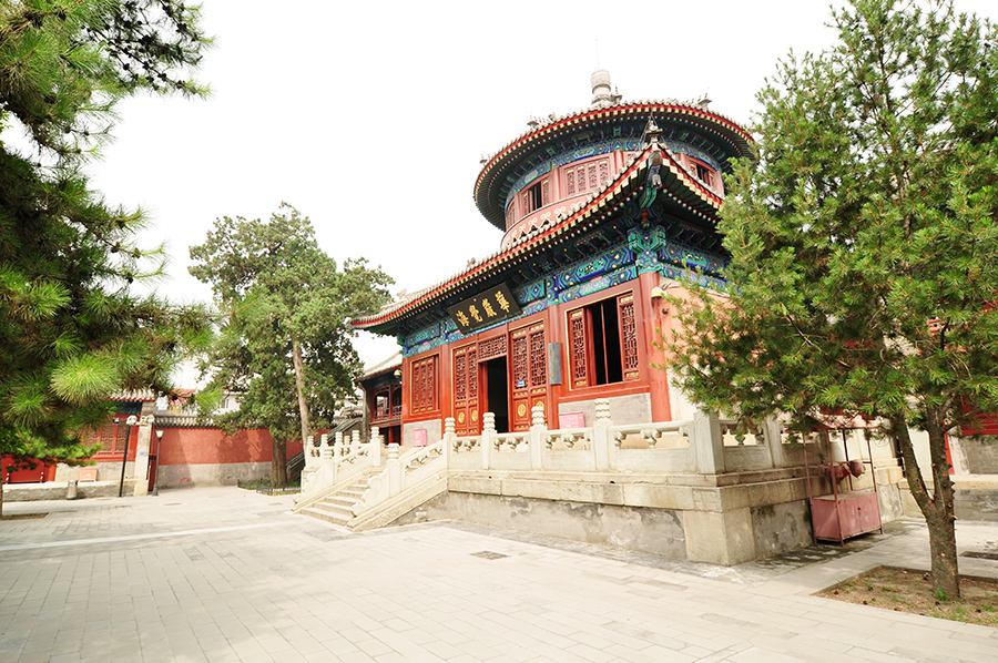 china-beijing-bell-temple-and-surroundings-002
