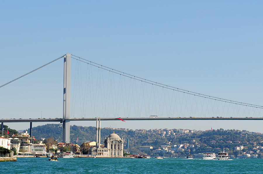 Ortakoiská mešita a Bosporský most / Ortaköy Camii