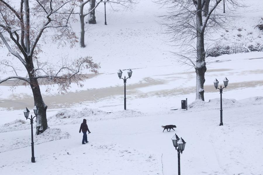 Zamrzlé kanály ohraničují historické centrum města. // Riga, Lotyšsko