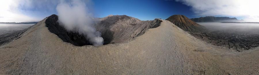 Monumentální kráter vulkánu Batok.
