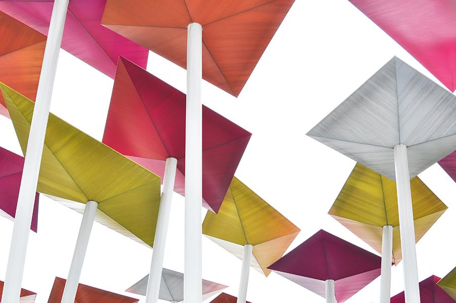 Dekorace nad mexickým pavilonem byla svěží - tvarem i barevností.