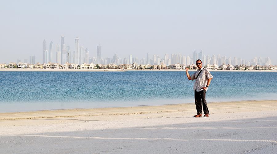 Na Jumeira Palm, Dubai. Léto 2010.