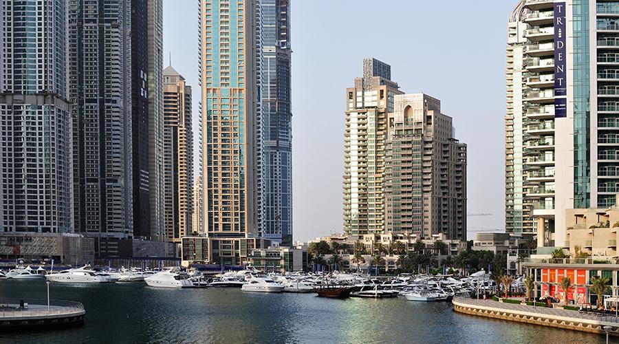 Jumeira Marina - malé přístaviště s takovou trochu větší zástavbou okolo. Vtipné mi přišlo, když hotel s podbízivým názvem Ocean View již dávno neměl na oceán výhled přes další obří domy, co vyrostly před ním...