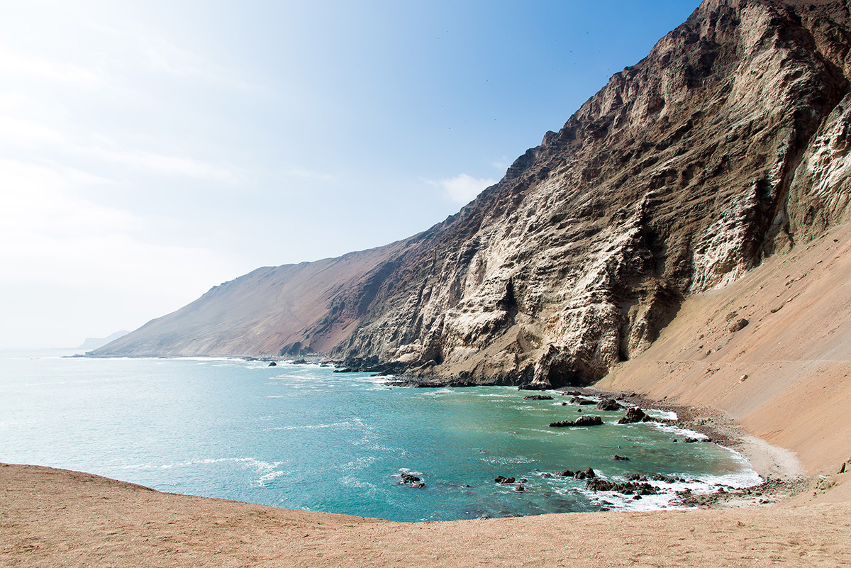 pobřeží nedaleko Arica, Chile