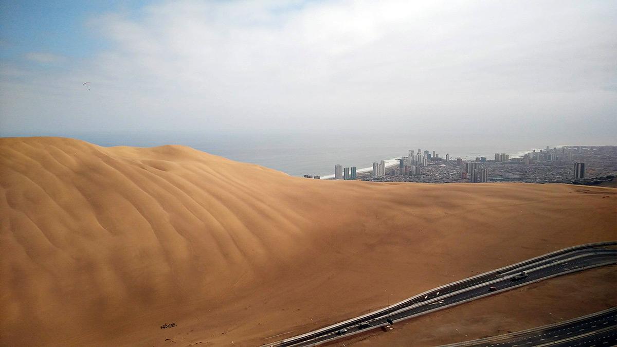 Cerro dragon, duna u města Iquique